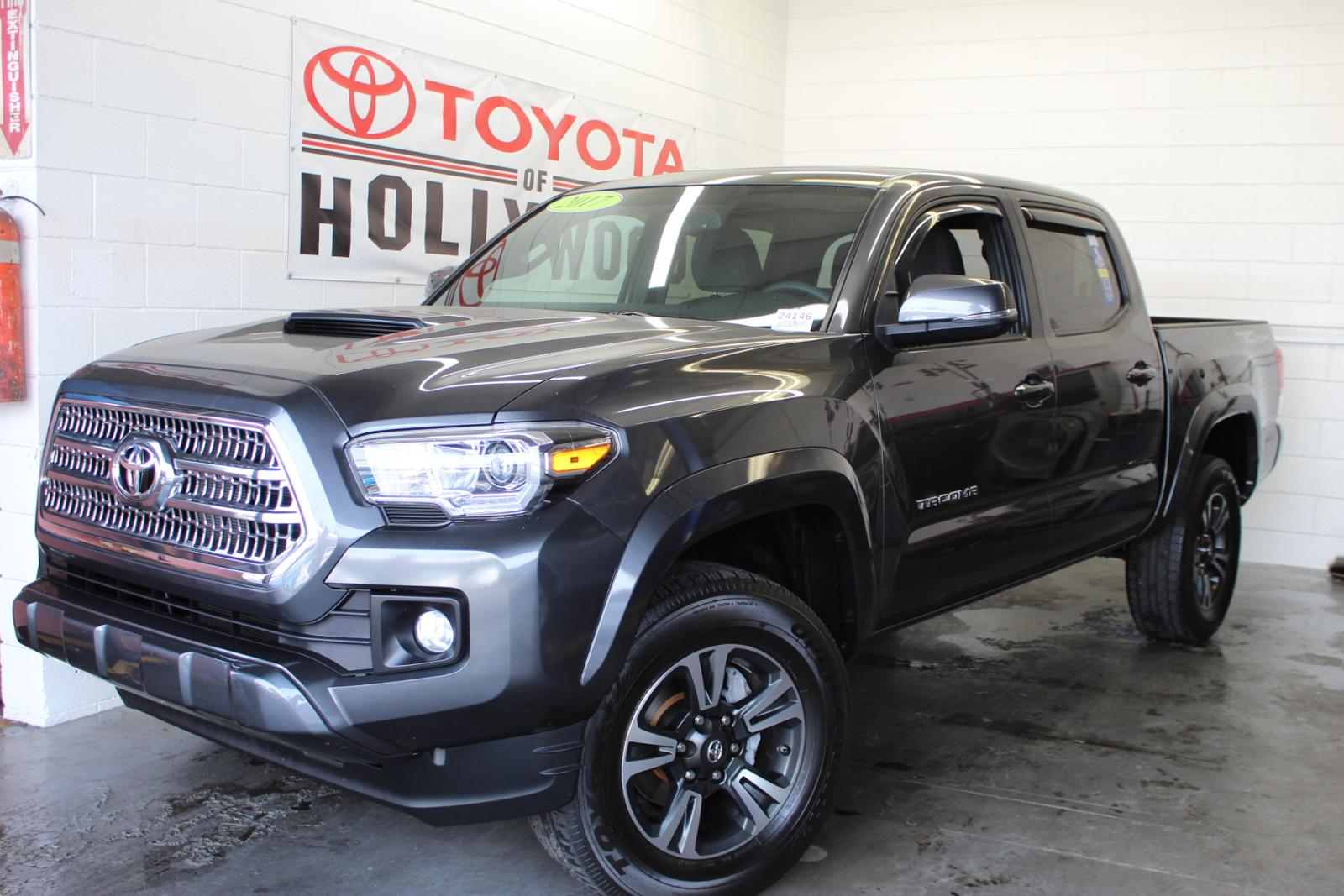 Pre-Owned 2017 Toyota Tacoma TRD Sport Double Cab 5' Bed V6 4x2 AT