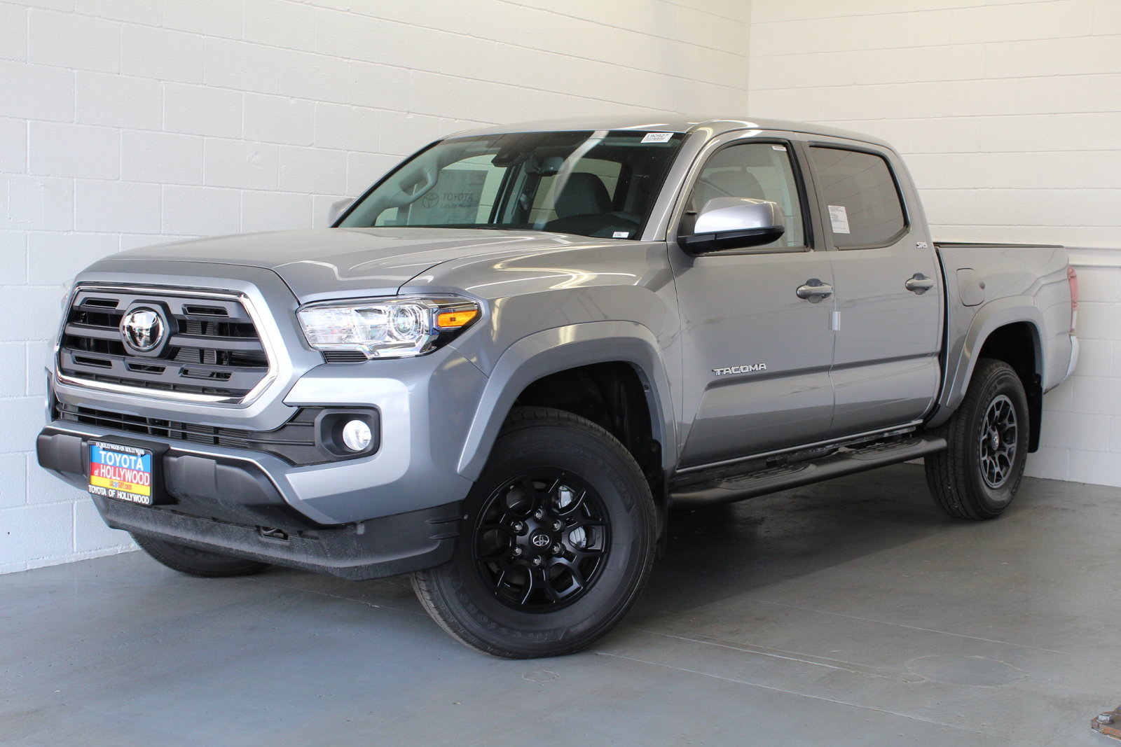 New 2020 Toyota Tacoma SR5 Double Cab 6' Bed V6 AT