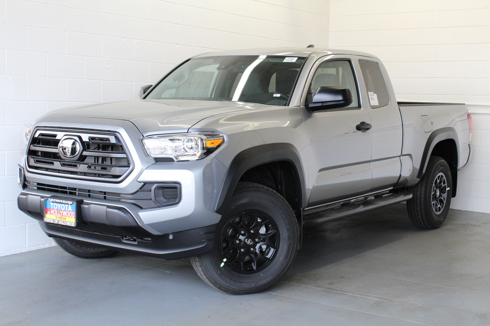 New 2019 Toyota Tacoma 2WD SR Access Cab 6' Bed I4 AT