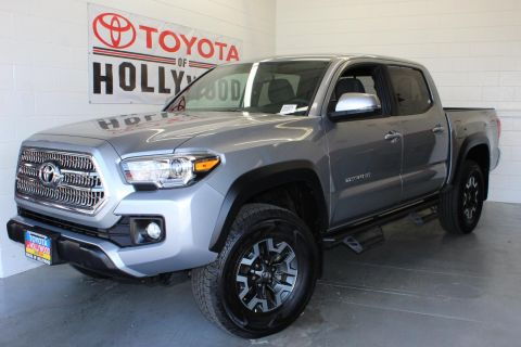Pre-Owned 2017 Toyota Tacoma TRD Off Road Double Cab 5' Bed V6 4x2 AT