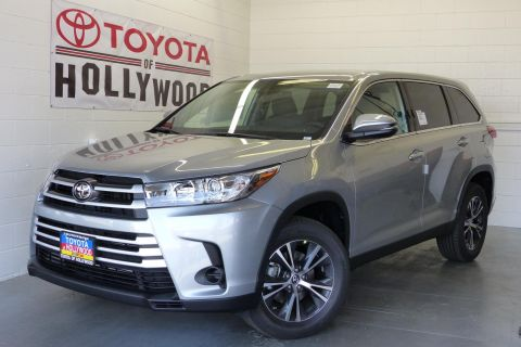 New 2019 Toyota Highlander LE I4 FWD