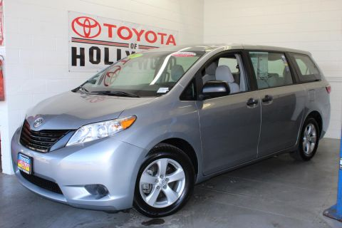 Certified Pre-Owned 2017 Toyota Sienna CE