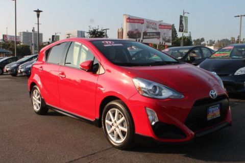 Pre-Owned 2017 Toyota Prius c One