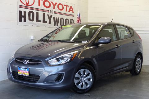 Pre-Owned 2017 Hyundai Accent SE Hatchback Auto